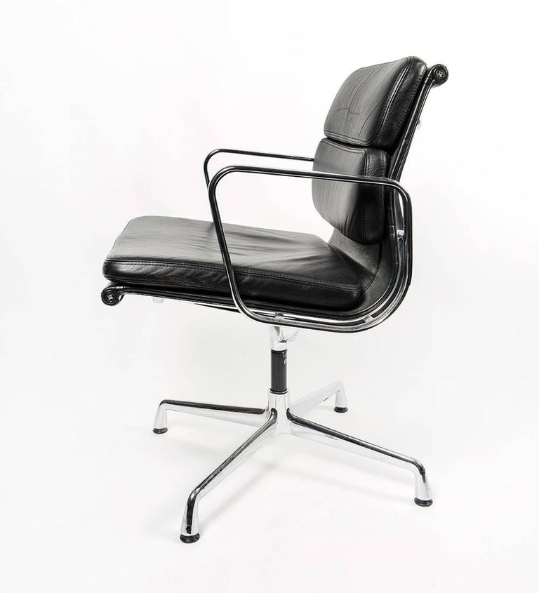 Charles Eames For Vitra Ea208 Soft Pad Chair At 1stdibs