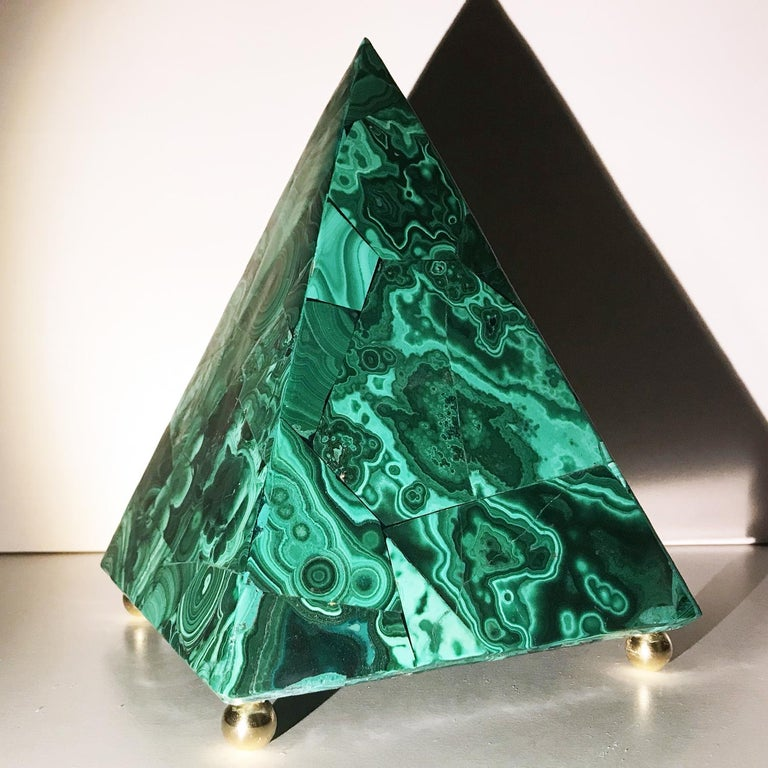 20th Italian Neoclassical Green Malachite and Gold Bronze Sculpture of Pyramid  For Sale 3