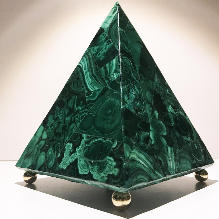 20th Italian Neoclassical Green Malachite and Gold Bronze Sculpture of Pyramid  For Sale 5
