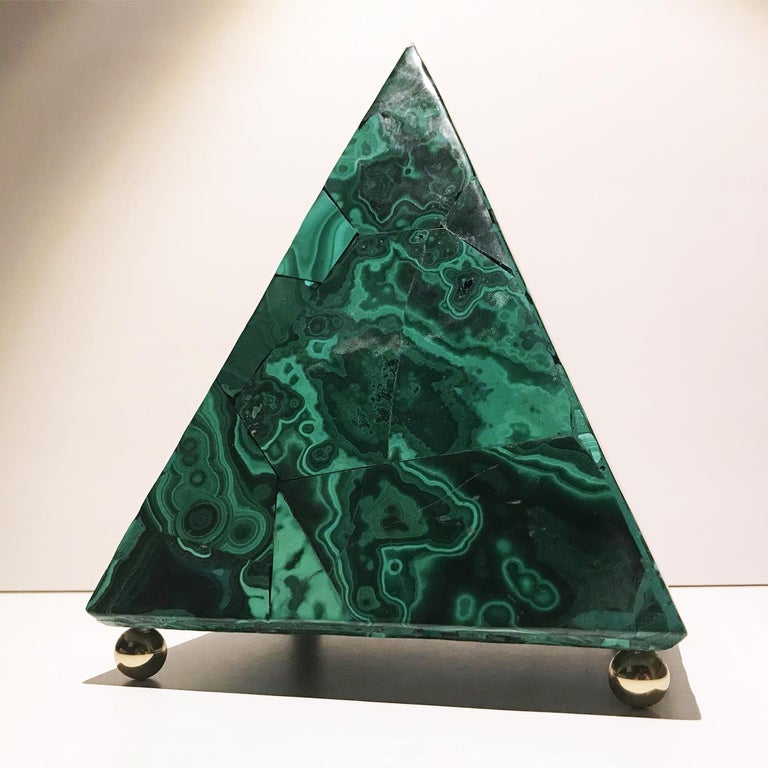 20th Italian Neoclassical Green Malachite and Gold Bronze Sculpture of Pyramid  For Sale 6