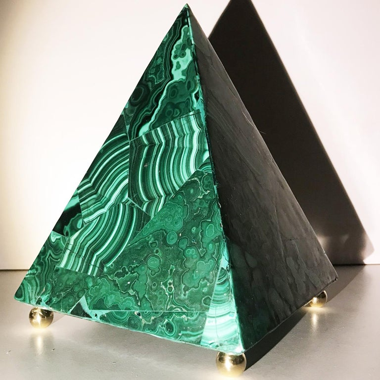 20th Italian Neoclassical Green Malachite and Gold Bronze Sculpture of Pyramid  For Sale 7