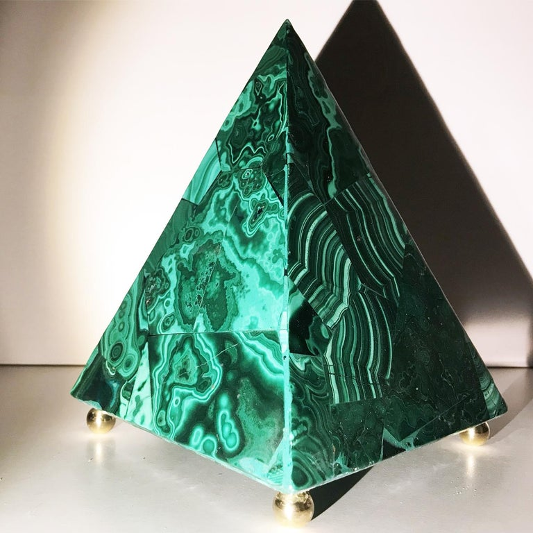 20th Italian Neoclassical Green Malachite and Gold Bronze Sculpture of Pyramid  For Sale 8
