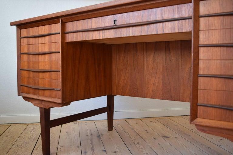 Danish Midcentury Teak Executive Desk, 1960s For Sale 1
