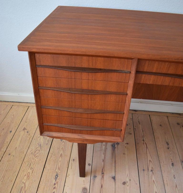 Danish Midcentury Teak Executive Desk, 1960s In Good Condition For Sale In Nyborg, DK