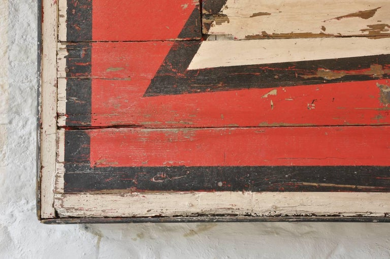20th Century Huge Vintage Fairground Arrow Sign In Distressed Condition For Sale In Cirencester, Gloucestershire