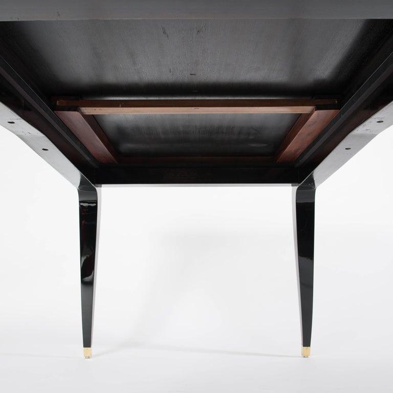 Französische Rechteckiger Art Deco Esstisch Schwarz Lackiert mit Vier Ikonischen Beinen 7