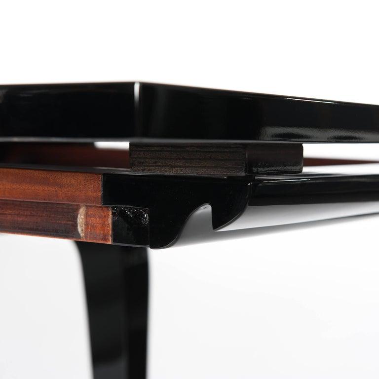 Französische Rechteckiger Art Deco Esstisch Schwarz Lackiert mit Vier Ikonischen Beinen 8