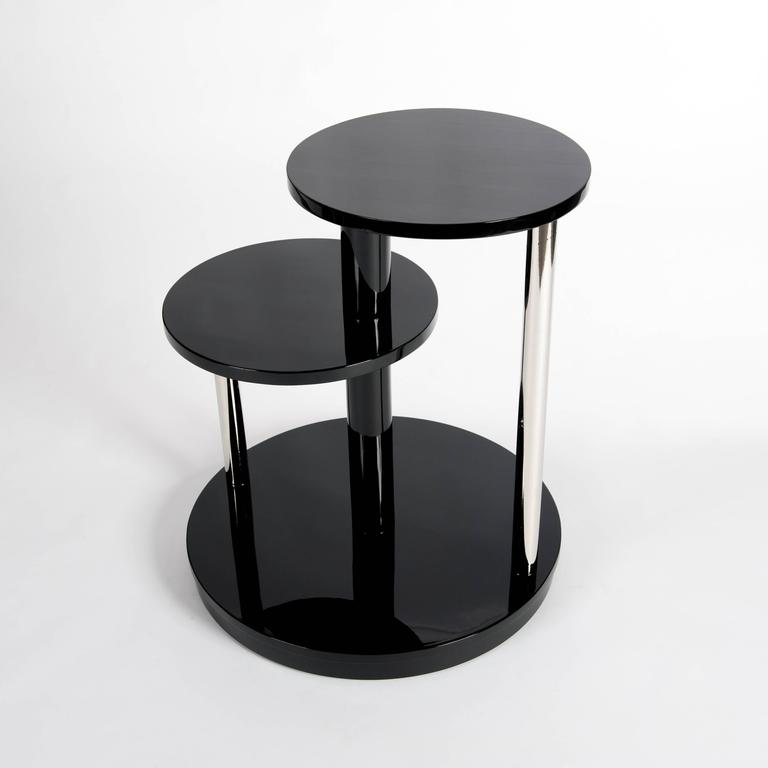 Side table or coffee table in Classic Art Deco style, re-lacquered.