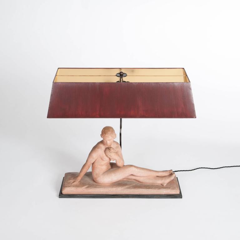 Französischen Jugendstil Figurative Tischlampe in Terrakotta 3