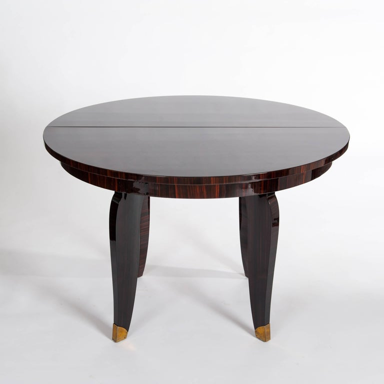 French Art Deco Dining Room / Center Table Macassar Veneer, Signed Nancy 1935 In Excellent Condition For Sale In Salzburg, AT