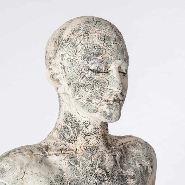 Zeitgenössische Lebensgroße Keramik Figur einer Frau von Dora Várkonyi 6