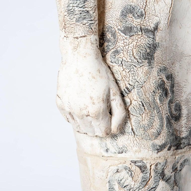 Zeitgenössische Lebensgroße Keramik Figur einer Frau von Dora Várkonyi 8