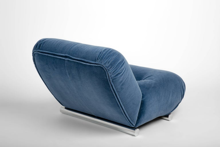 20th Century Pair of Mid-Century 1960s Italian Lounge Chairs in Blue Mohair with Chrome Legs For Sale