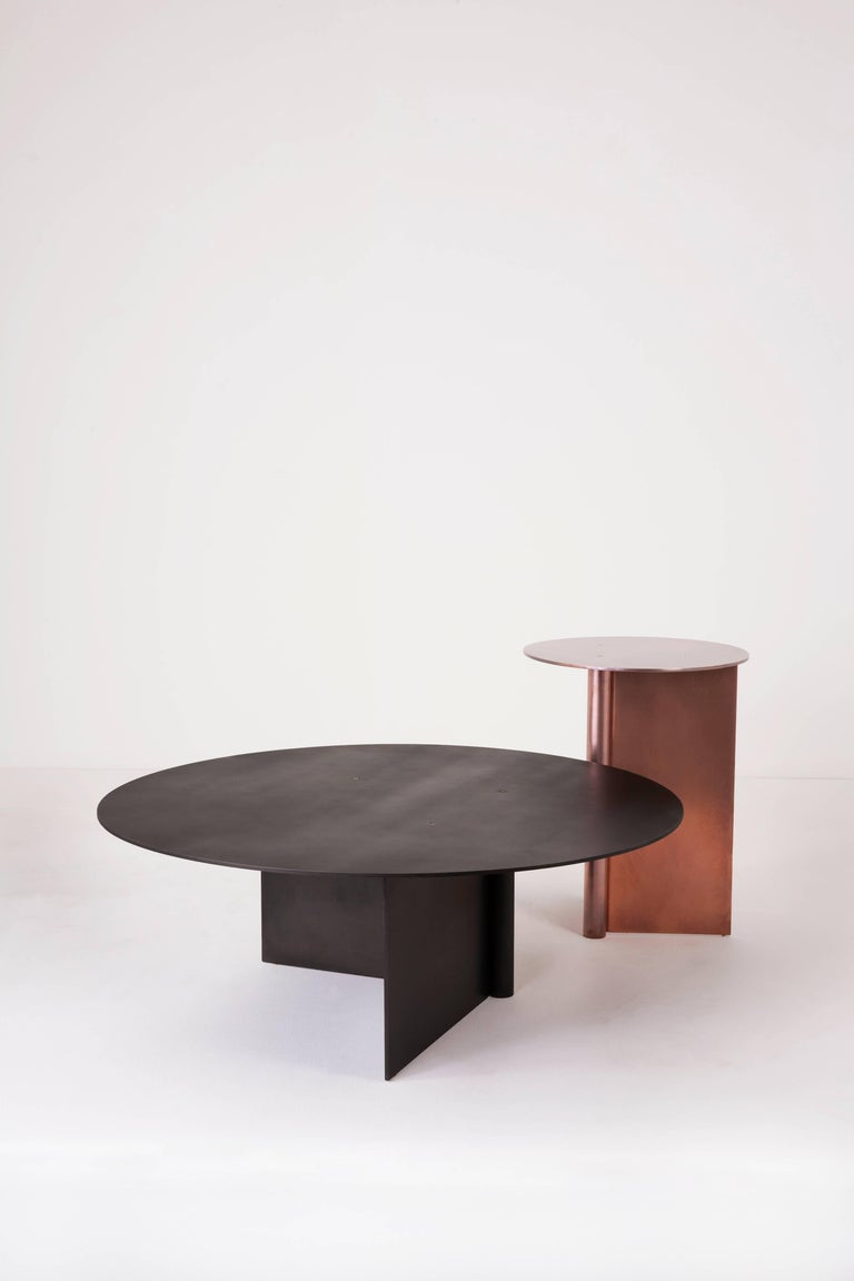 Os table made of aluminium in satin or polished brass for Coffee tables 80cm wide