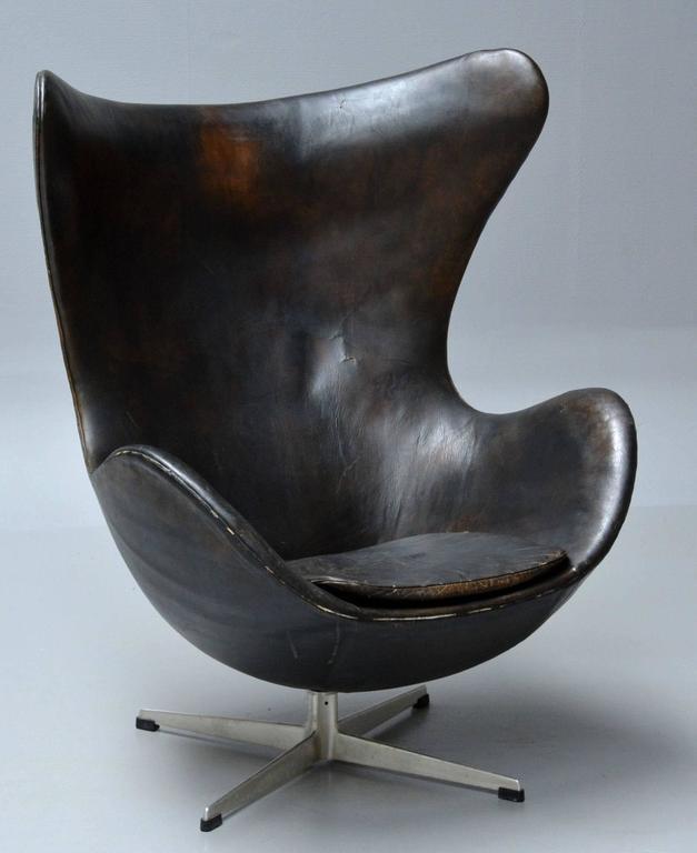 egg chair arne jacobsen for sale at 1stdibs. Black Bedroom Furniture Sets. Home Design Ideas