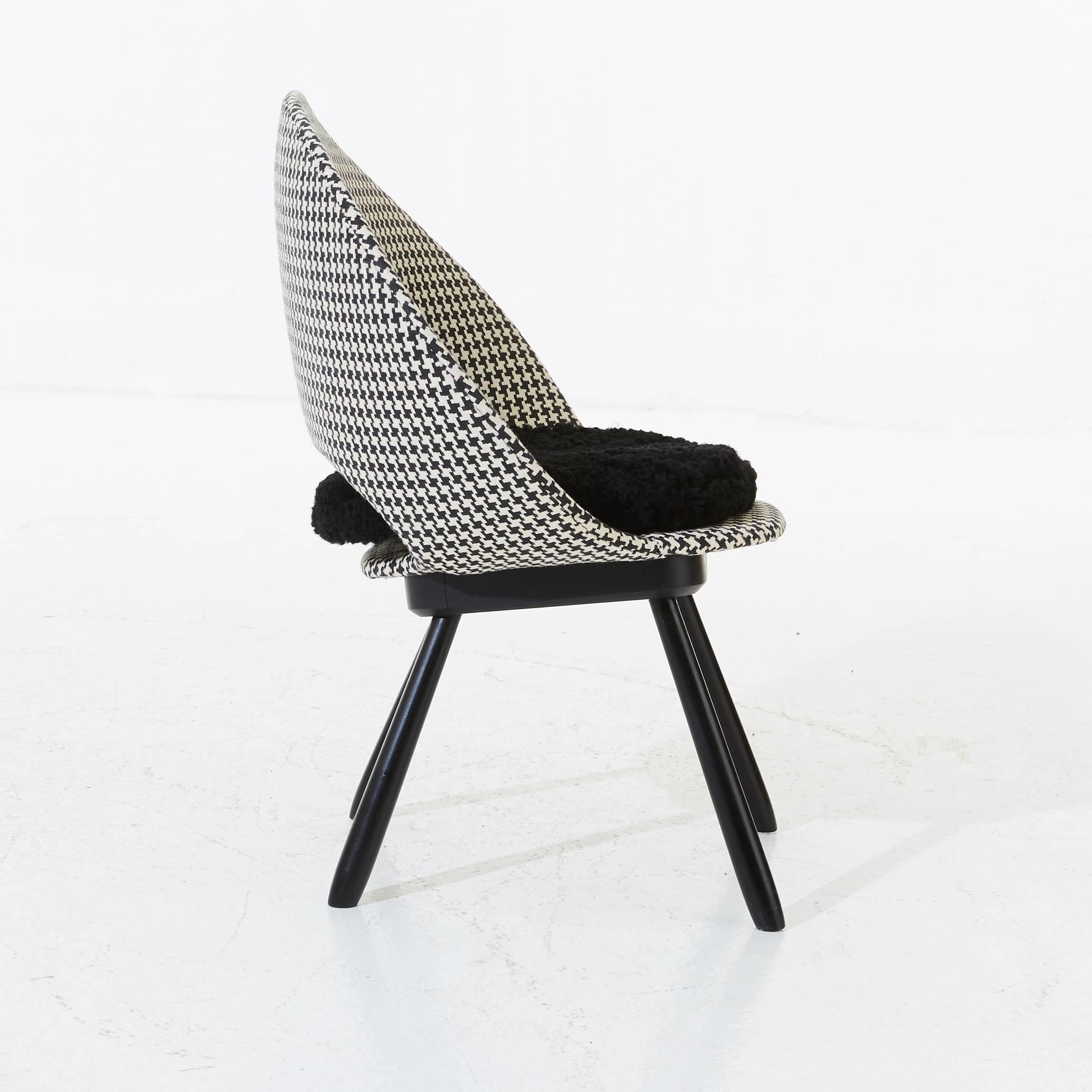 Beau Scandinavian Modern Swedish Chair, 1950s, Houndstooth Pattern With  Sheepskin Seat For Sale