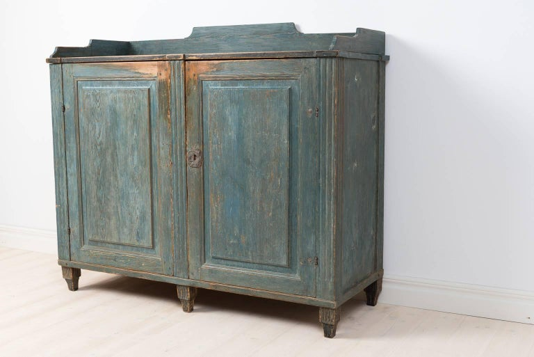 18th Century Gustavian Sideboard Dry Scraped to Original Paint For Sale 3