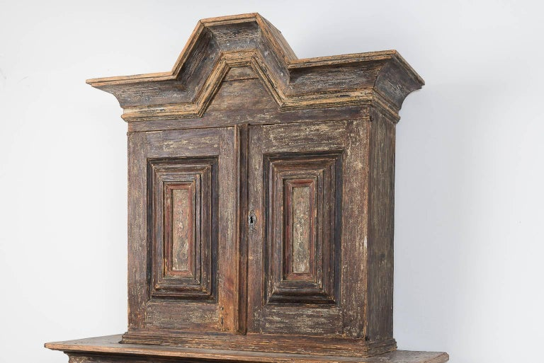 18th Century Swedish Baroque Cupboard For Sale 1