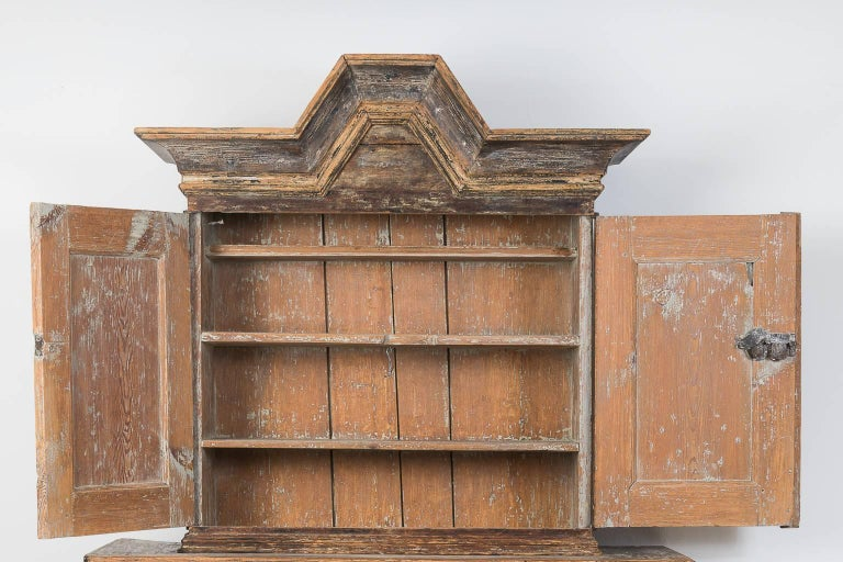 18th Century Swedish Baroque Cupboard For Sale 3