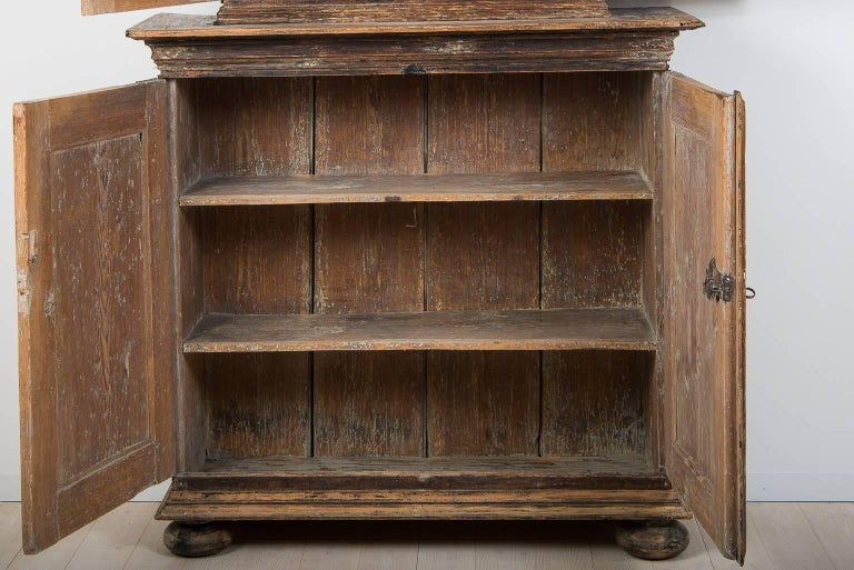 18th Century Swedish Baroque Cupboard For Sale 4