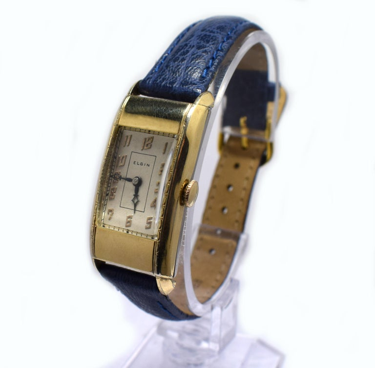 Superb Art Deco Gents Gold Plated Wrist Watch by Elgin Dated 1937 In Good Condition For Sale In Devon, England