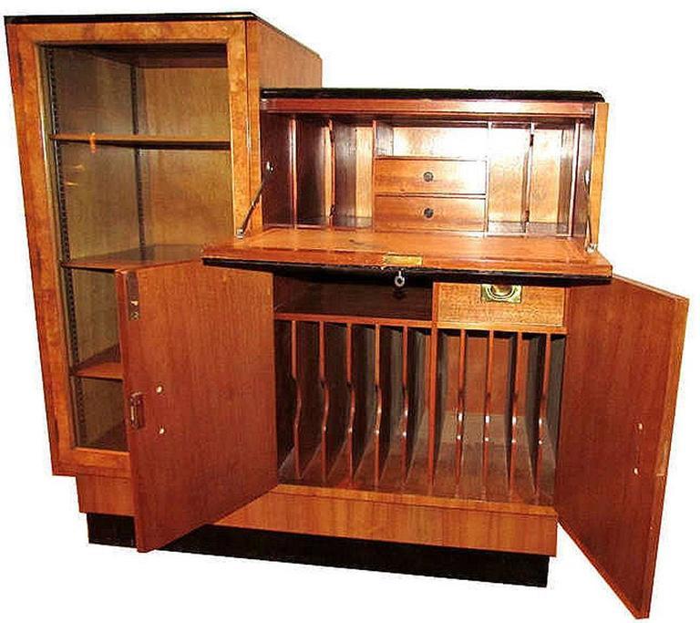 original english 1930s art deco blonde wood bureau at 1stdibs. Black Bedroom Furniture Sets. Home Design Ideas