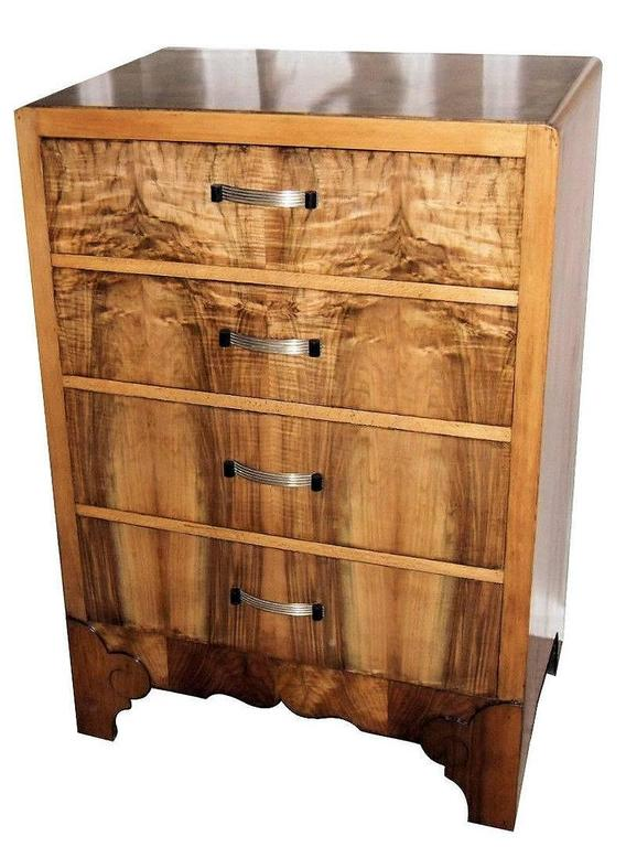 English, 1930s, Art Deco Chest of Four Drawers in Figured Walnut 3