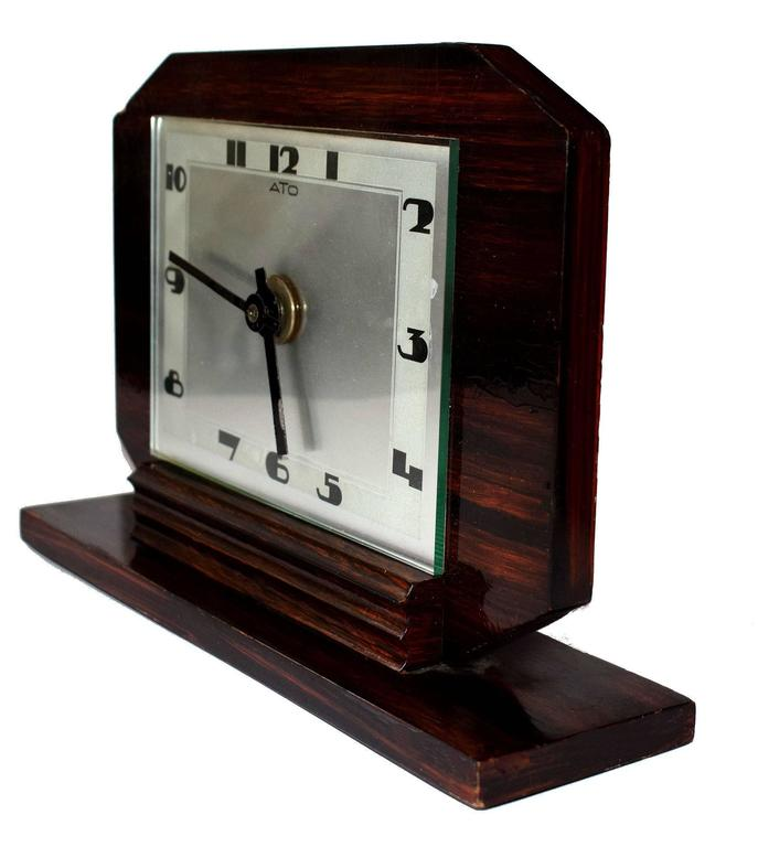 1930s Art Deco Modernist Clock by ATO In Good Condition For Sale In Devon, England