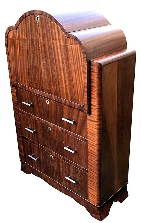 English 1930s art deco mahogany cloud bureau in excellent condition for sale in devon england