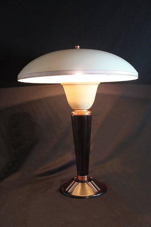 large art deco bakelite table lamp by eileen gray for jumo france at 1stdibs. Black Bedroom Furniture Sets. Home Design Ideas