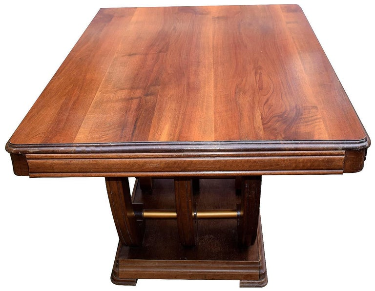 1930s Art Deco Solid Walnut Dining Table In Good Condition For Sale In Devon, England