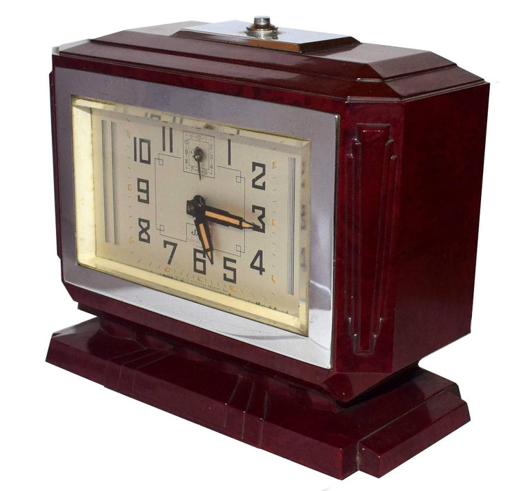 Large French Art Deco Bakelite Clock In Excellent Condition For Sale In Devon, England