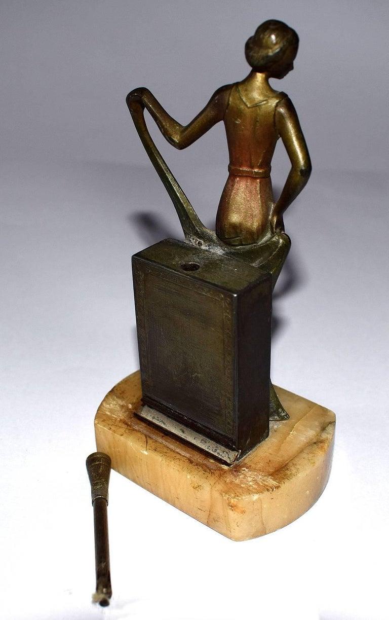 1930s Art Deco Figural Lighter In Good Condition For Sale In Devon, England