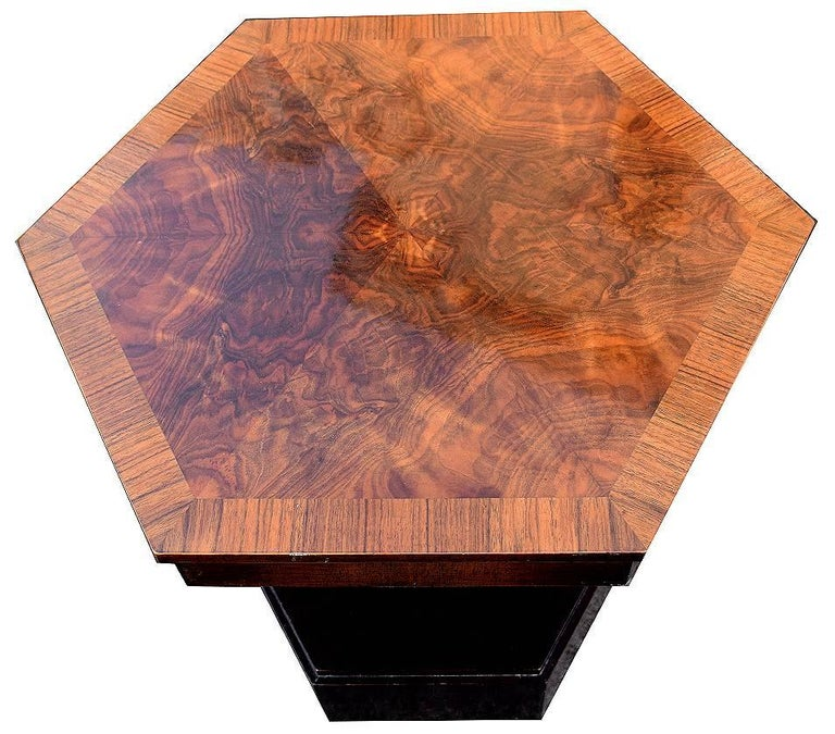 Very Stylish And Totally Authentic 1930s Art Deco English Coffee Table In Hexagonal Form