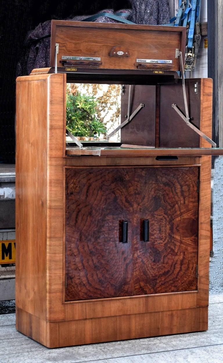 Mirror English Art Deco 1930s Figured Walnut Cocktail Cabinet Bar For Sale