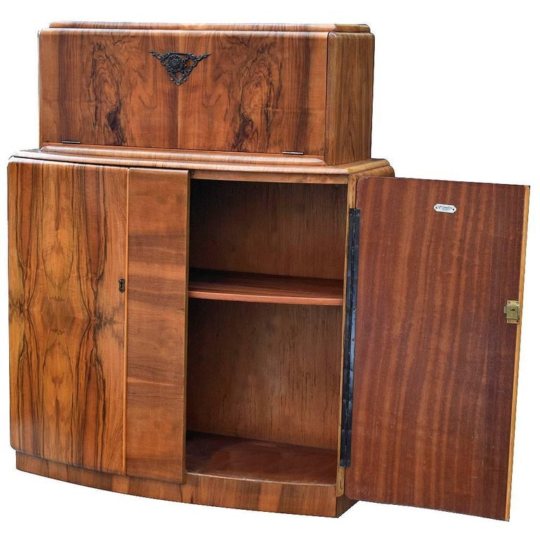 English Art Deco Walnut Cocktail Dry Bar In Excellent Condition For Sale In Devon, England