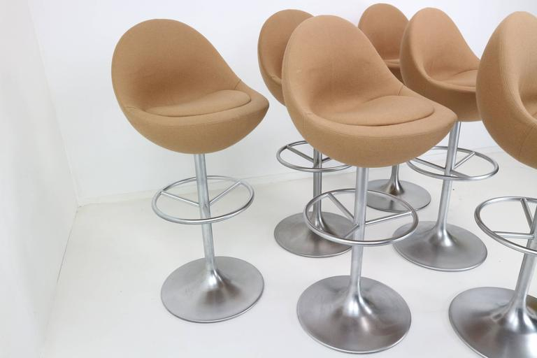 Swell Set Of Three Trompet Base Swivel Venus Barstool By B Beatyapartments Chair Design Images Beatyapartmentscom