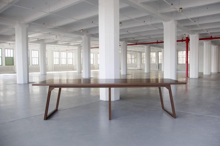 Familj Solid Wood Dining Table in Dark Walnut In New Condition For Sale In Brooklyn, NY