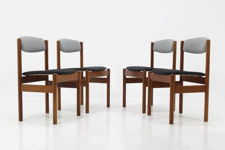 Mid-20th Century Set of Four Danish Oak Dining Chairs, 1960s For Sale