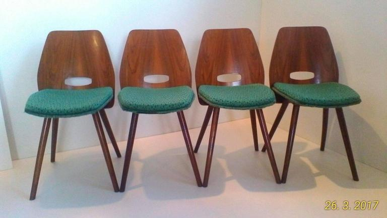 Mid-Century Modern Set of Four Art Deco Dining Chairs in Beech For Sale