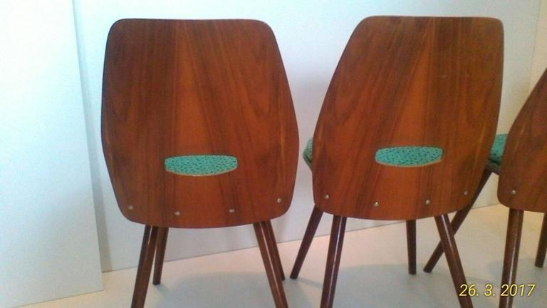 Set of Four Art Deco Dining Chairs in Beech In Good Condition For Sale In Praha, CZ