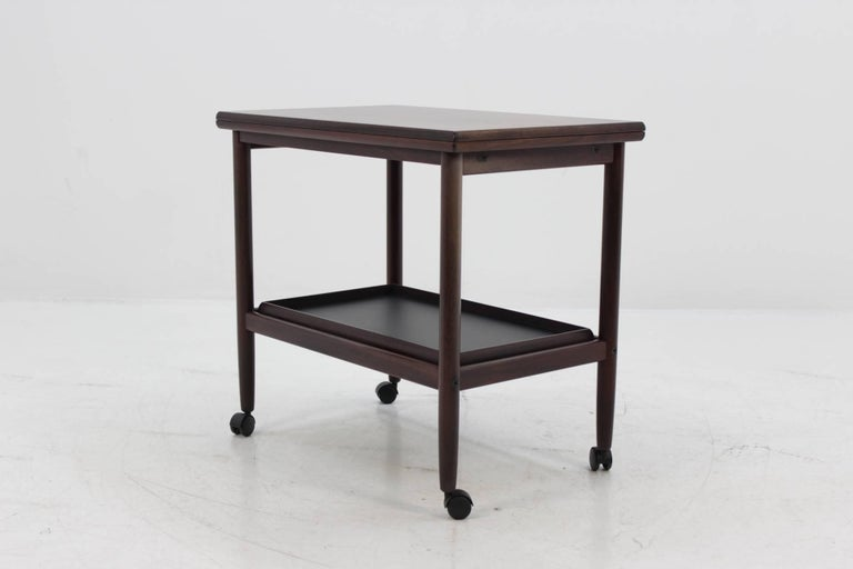 Serving cart on wheels