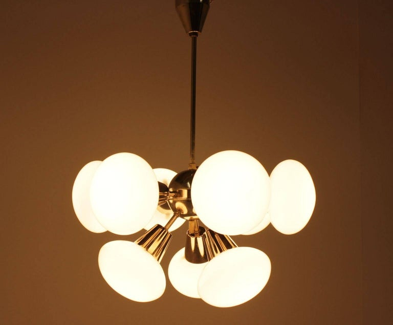 Very nice style of lighting.