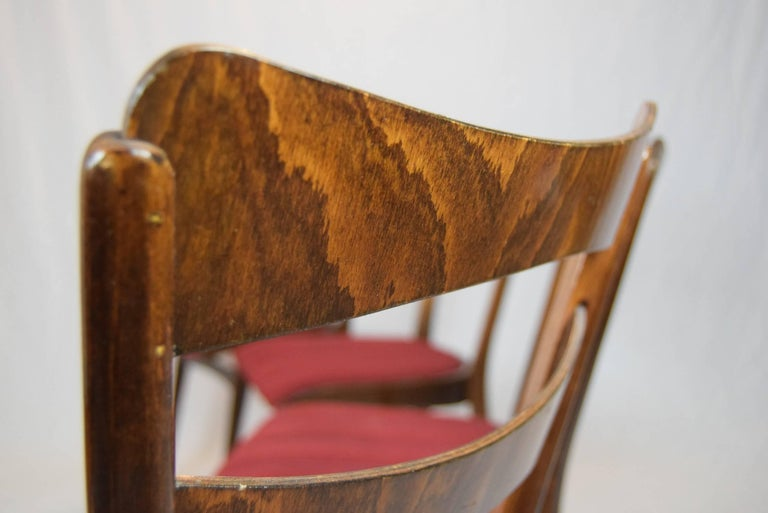 Set of four teak dining chairs and dining table 1960s this dining table is varnished and is extended (Height 77cm, length 115cm, depth 80cm). This chairs has original and painted upholsters, and is oiled (Height 83cm, height seat 46cm, length 42cm,