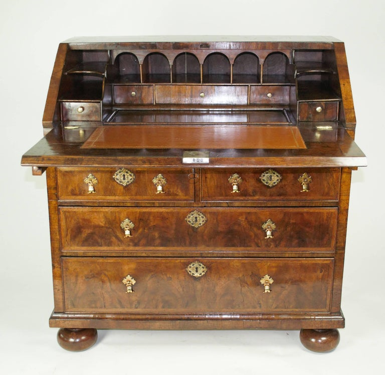 George ii walnut bureau for sale at 1stdibs for Bureau for sale