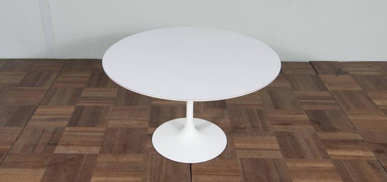 Vintage Eero Saarinen Tulip Coffee Table Designed In The 1950s 2