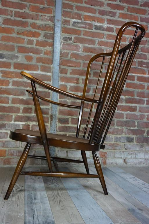 "Genuine ""Double Bend Bow"" Ercol Armchair with Original Cushions In Excellent Condition For Sale In TOURCOING, FR"