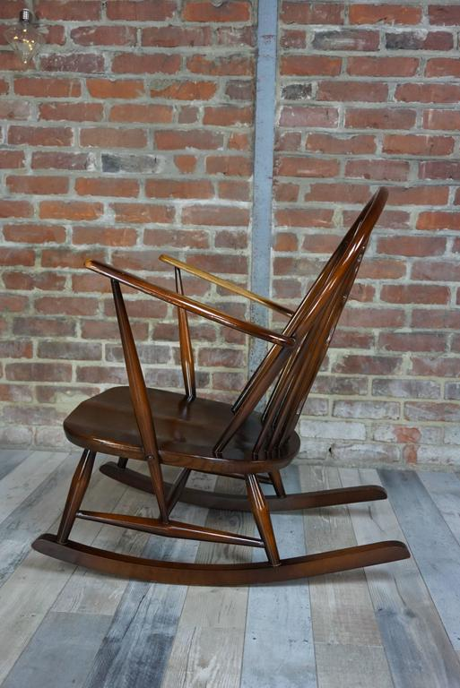 Rocking Chair 1950s Ercol with Cushions In Excellent Condition In TOURCOING, FR