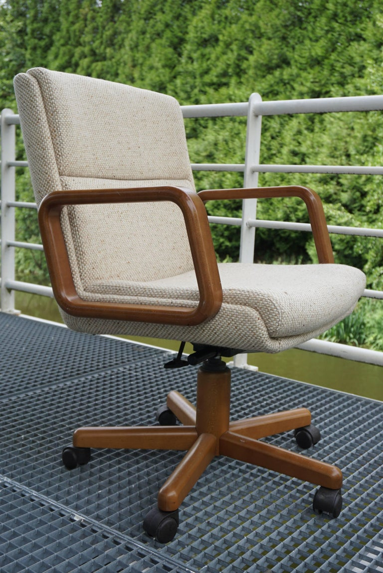 "Set of ten Office Chairs high quality, Mechanism made in Norway by the leader ""Ring Mekanikk"" The armchairs are adjustable in height, in inclination, and are pivoting. Outstanding comfort, woollen fabric and excellent quality and in"