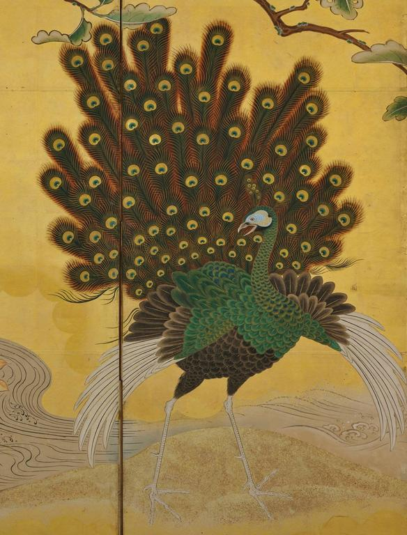 Japanese Kano Screens. Phoenix and Peacocks on Gold Leaf. 1st Half of the 18c.  In Good Condition For Sale In Kyoto, JP